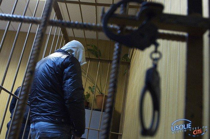 В Усолье 19-летний парень ударил ножом и изнасиловал пенсионерку