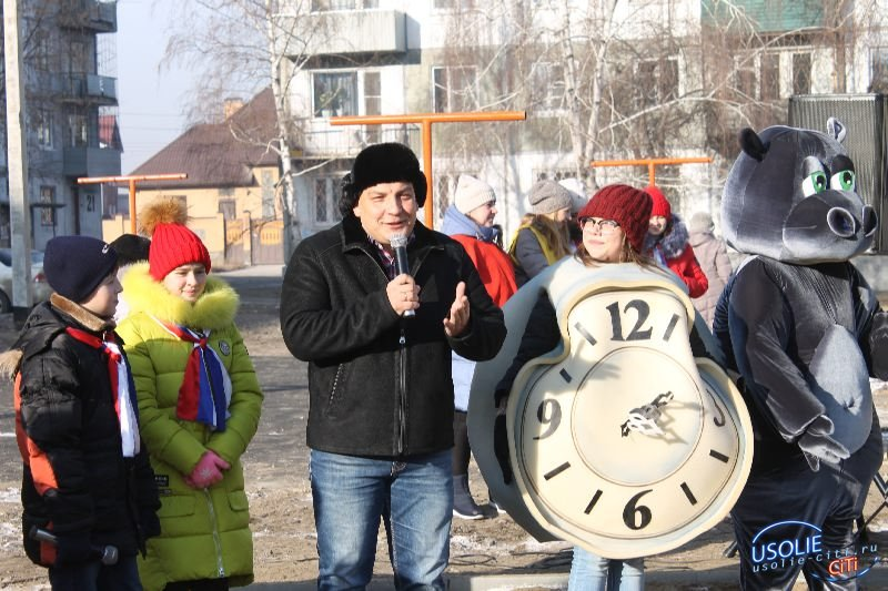 Благоустроенный двор по Луначарского ( 11 - 21) начал новую жизнь.