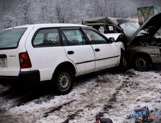 В Усольском районе на трассе столкнулись Ниссан и Тойота: есть пострадавшие