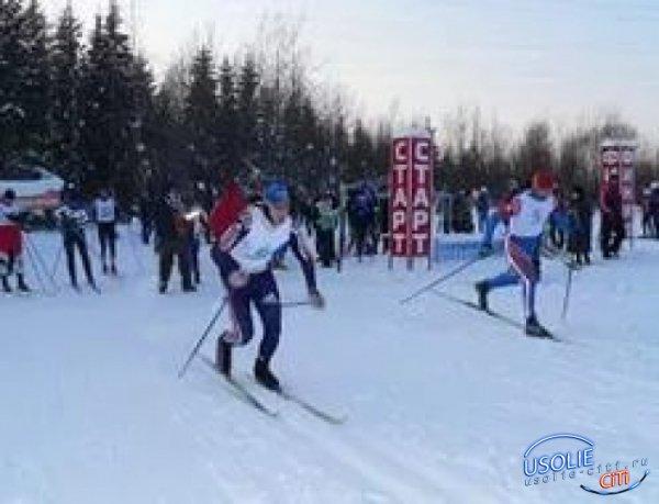 Самой младшей участнице - 56 лет, самой старшей – 79 лет.  В Усолье открыт лыжный сезон