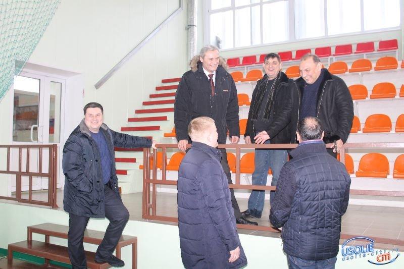 Комиссия из области проверила  усольский СК
