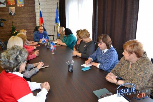 Договор о сотрудничестве мэр Усолья подписал с женсоветом