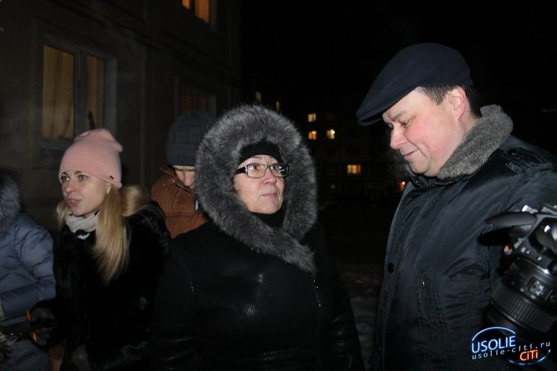 Жители самого большого двора по улице Республики вместе с депутатом обсудили план будущего благоустройства