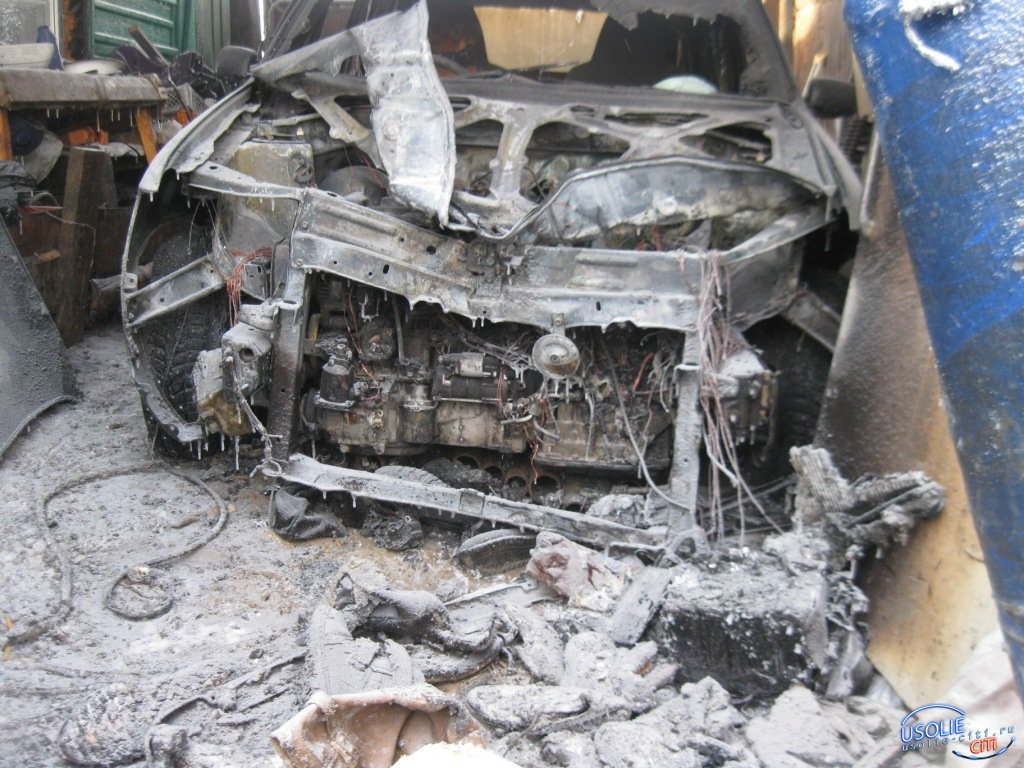 В Усолье огнем уничтожено два жилых дома, автомобиль и квартира. Спасены 19 человек
