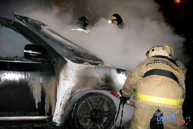 В Усольском районе пожарным не удалось спасти автомобиль
