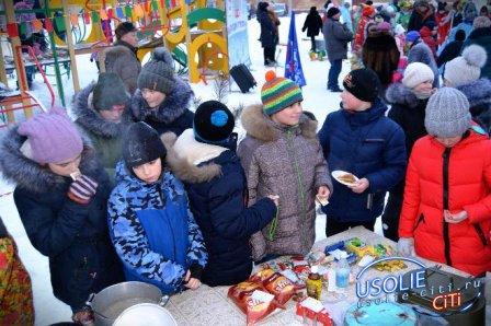 Съели несметное количество блинов: Фотоотчёт культурных событий в городе