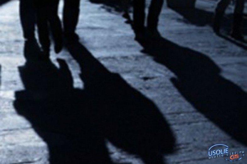 Трое усольчан ограбили мужчину в районе городского озера