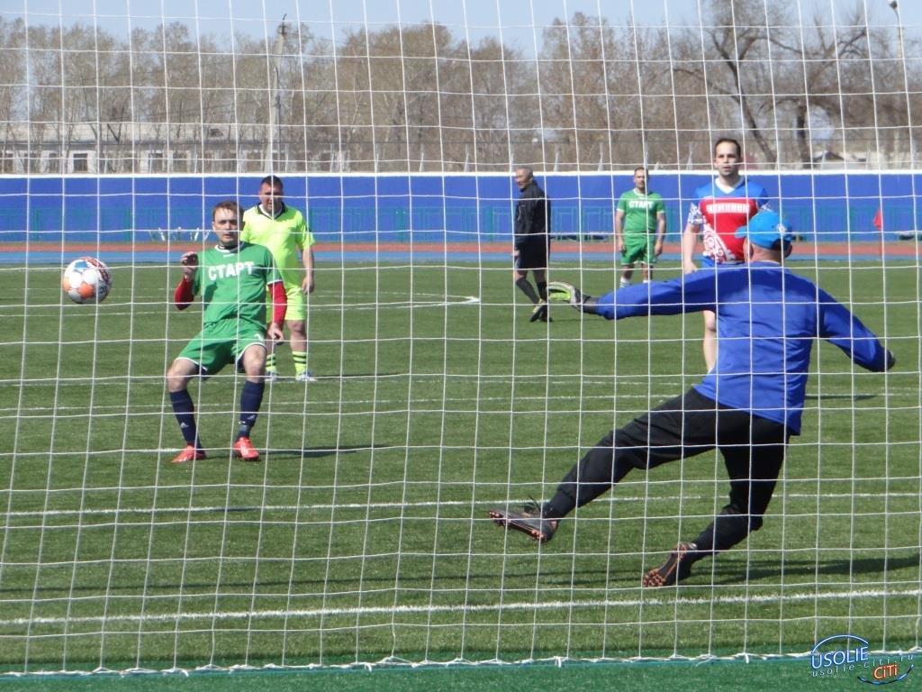Усольский «Кубок Победы» проходит уже на новом поле