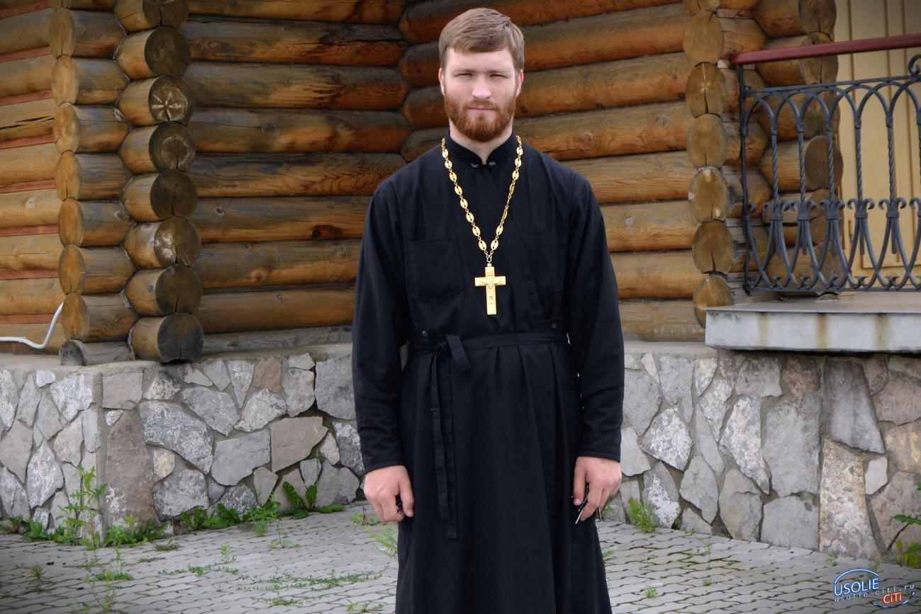 Павел Неудачин строит Воскресную школу для детей в Усольском районе