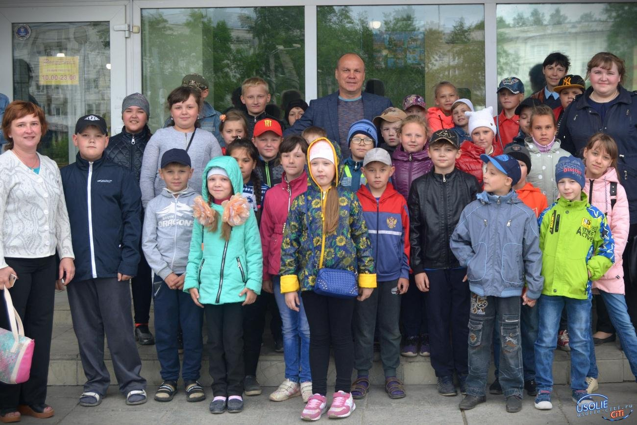 Сергей Гарбарчук, депутат усольской Думы устроил настоящий праздник детства на своем округе