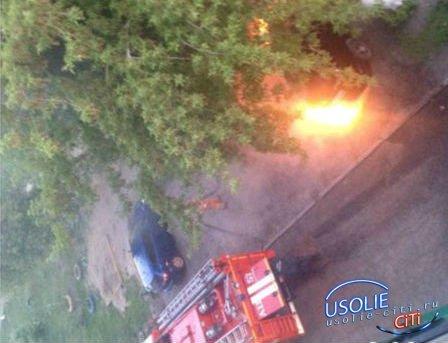 В Усолье снова подожгли автомобиль