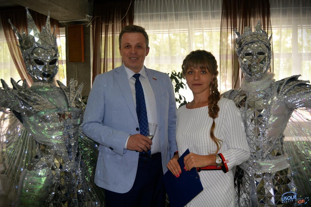 Всем шампанское от Сумароковых: В Усолье чествовали Ангелов в белых халатах
