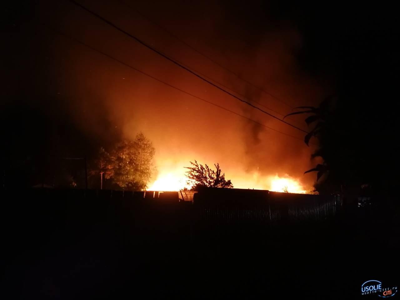 В ночное время в усольском садоводстве произошел пожар