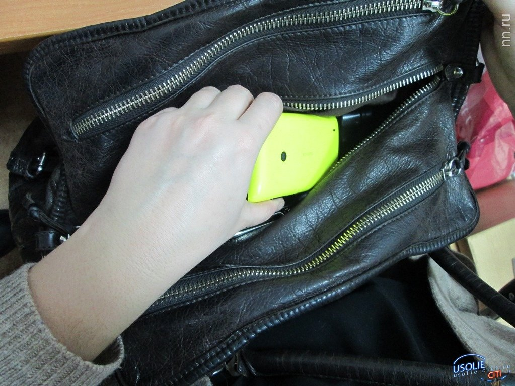Жительница Усолья оказалась на скамье подсудимых за то, что нашла телефон.