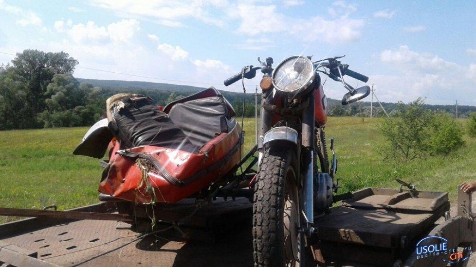 На усольской  улице Пролетарской опрокинулся мотоцикл с коляской