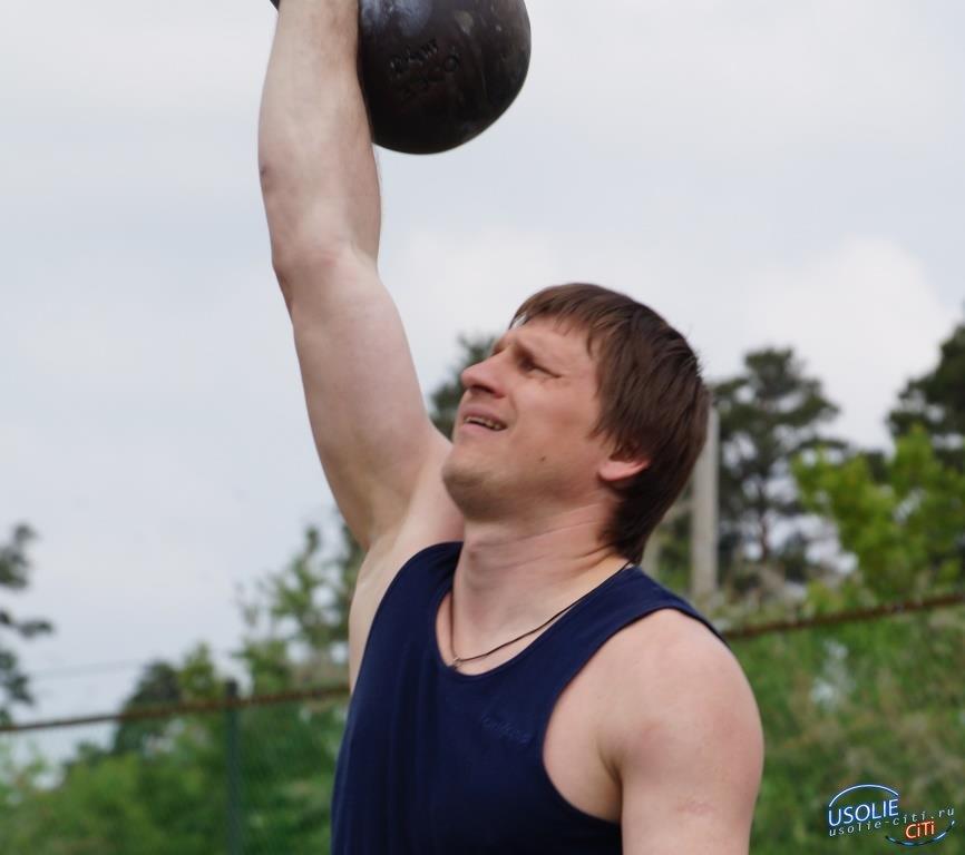 Владимир Яхно из Белореченского стал мастером спорта по гиревому спорту