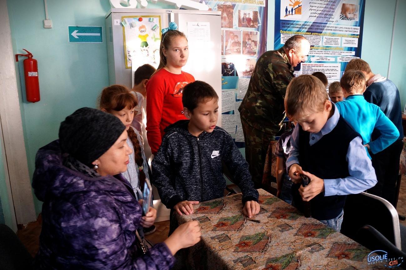 Усольские ветераны посетили Центр помощи детям, оставшимся без попечения родителей