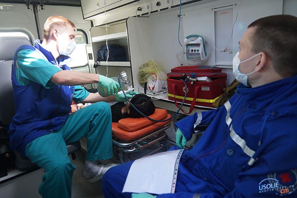 Усольские спасатели и медики помогли пострадавшему в ДТП