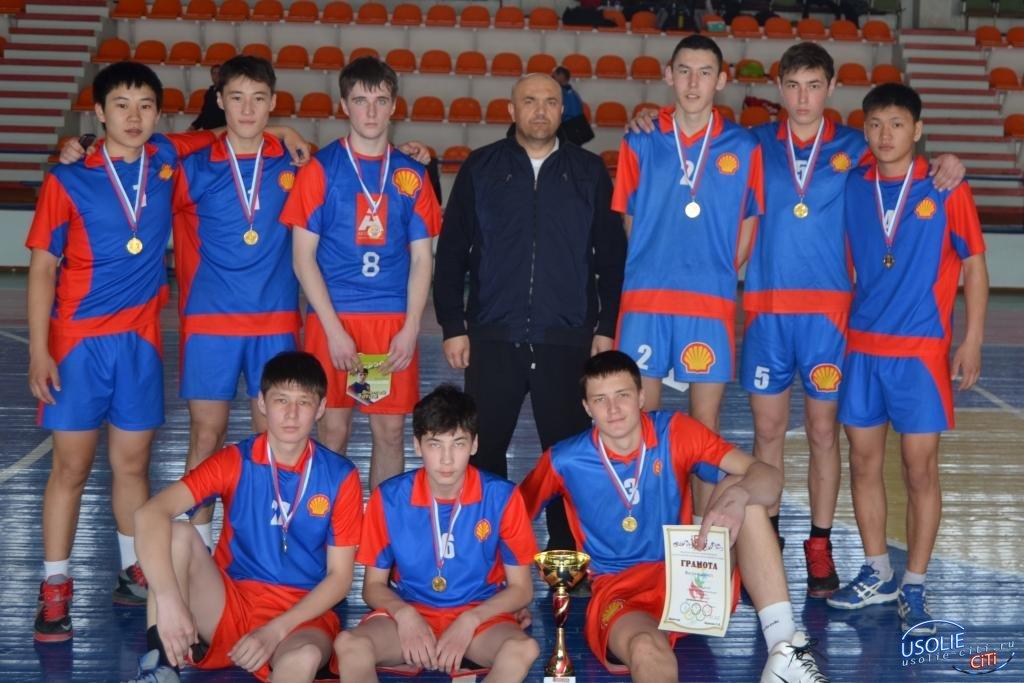 Большой волейбол состоялся в Усолье