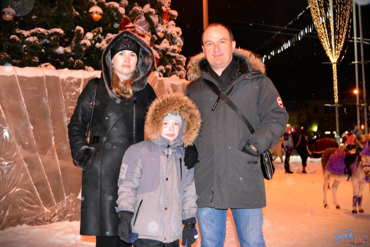 Первую новогоднюю елку зажгут в Усолье в воскресенье