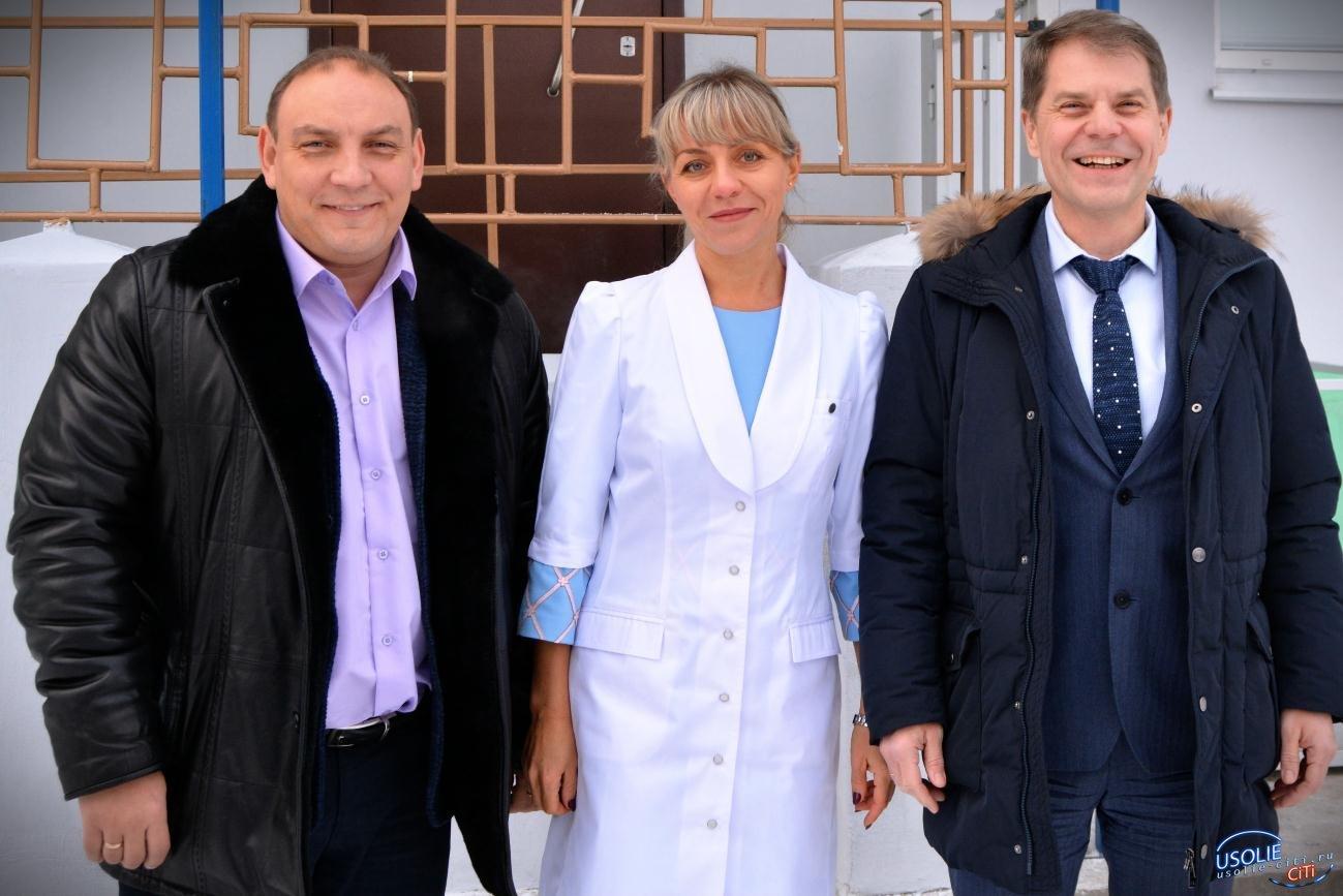 Главный врач Иркутской области и Заслуженный врач РФ навестили главврача Усолья