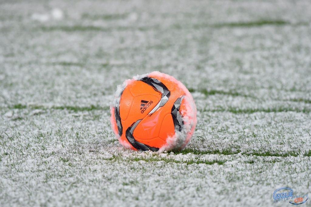 С футболом в Усолье плохо. Почему не стартует зимнее первенство?