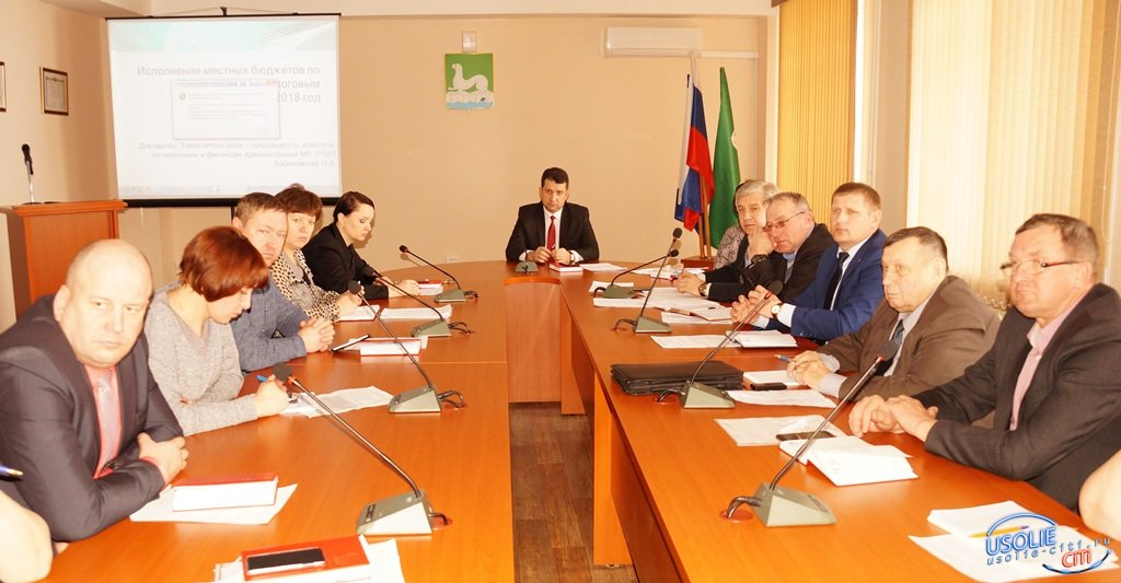 Мусорную реформу и народные инициативы обсудили с мэром главы усольских поселков