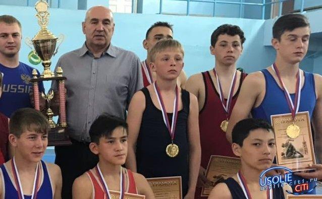 Усольчанин Максим Ежков стал бронзовым призером первенства СФО по греко-римской борьбе