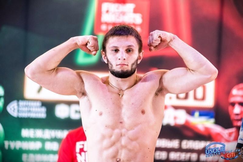 Усольчанин Максим Буторин проиграл битву за чемпионский пояс
