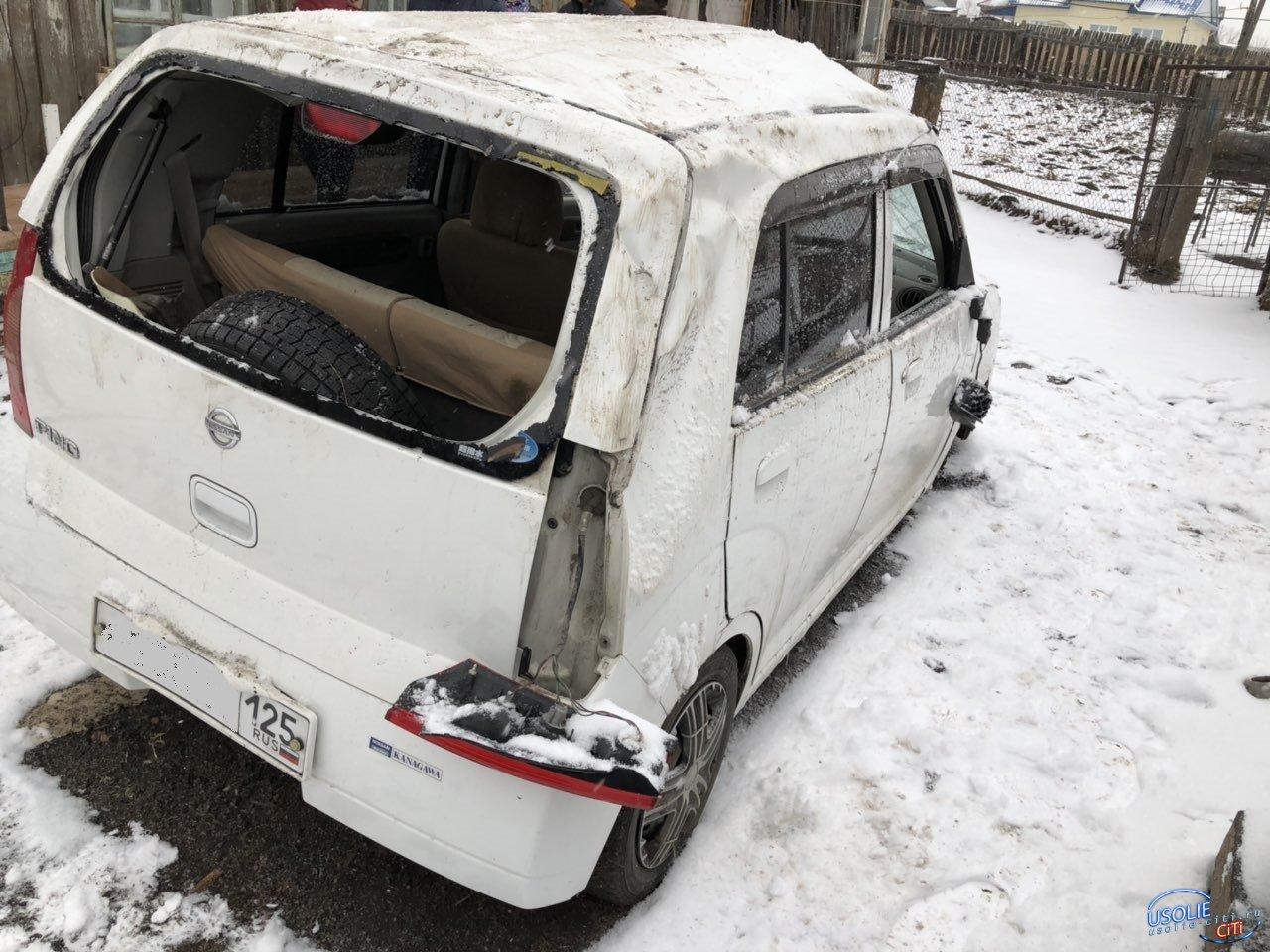 В Усольском районе перевернулся автомобиль со школьниками