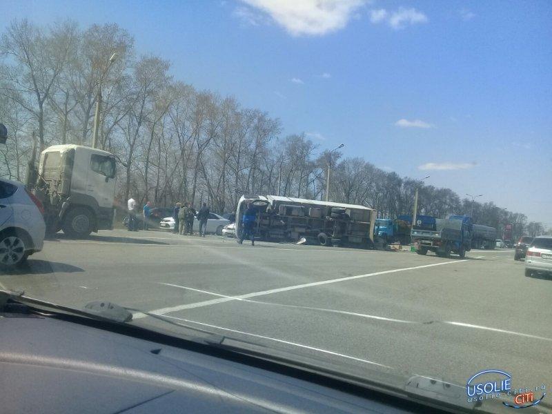 Грузовик перевернулся в Усольском районе. Пострадала 65-летняя пенсионерка