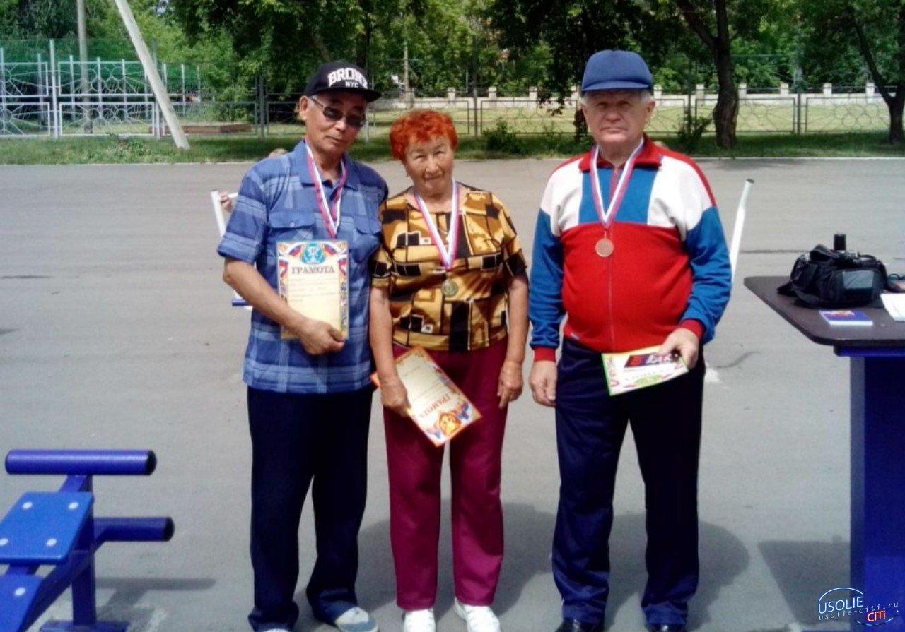 Победила 82-летняя пенсионерка: Пожилые усольчане соревновались на тренажерах