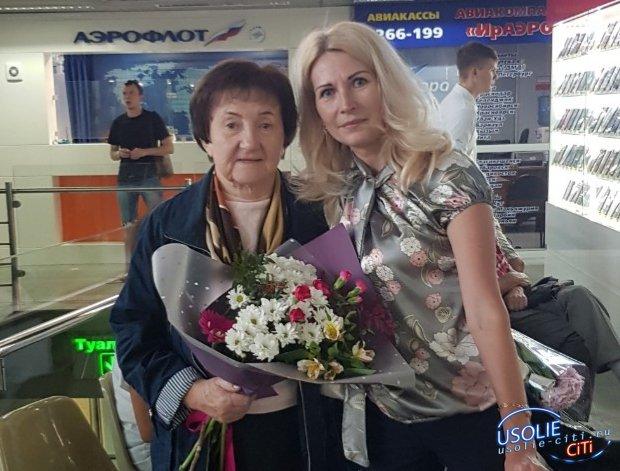 Почетный гражданин Галина Просвирнина приехала в Усолье