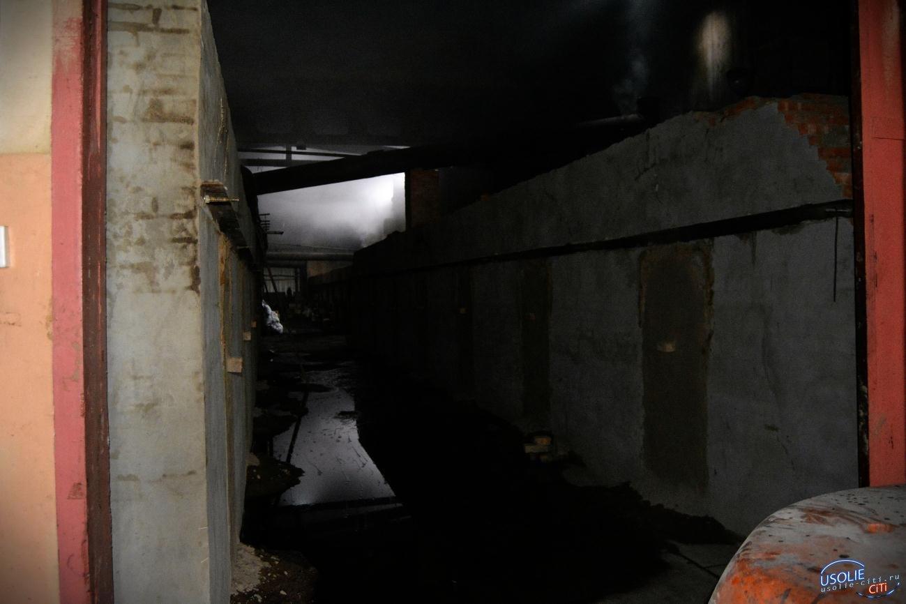 Всю ночь в Усолье тушили пожар на Большой Базе: Второй пожар у китайского предпринимателя