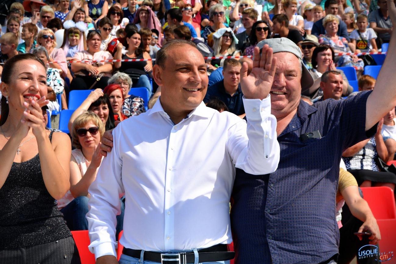 Народный мэр Усолья вывел на шествие пять тысяч жителей города