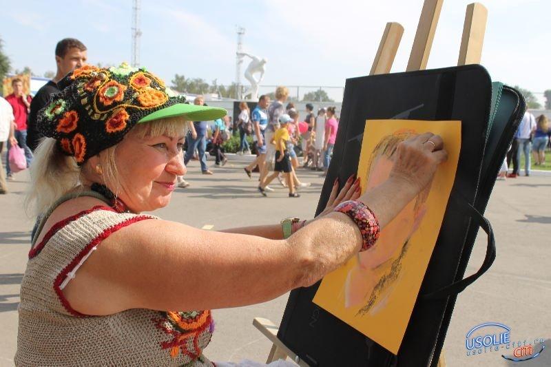 Знакомьтесь - усольская художница Ирина Быргазова. Угадайте, кто на ее портретах