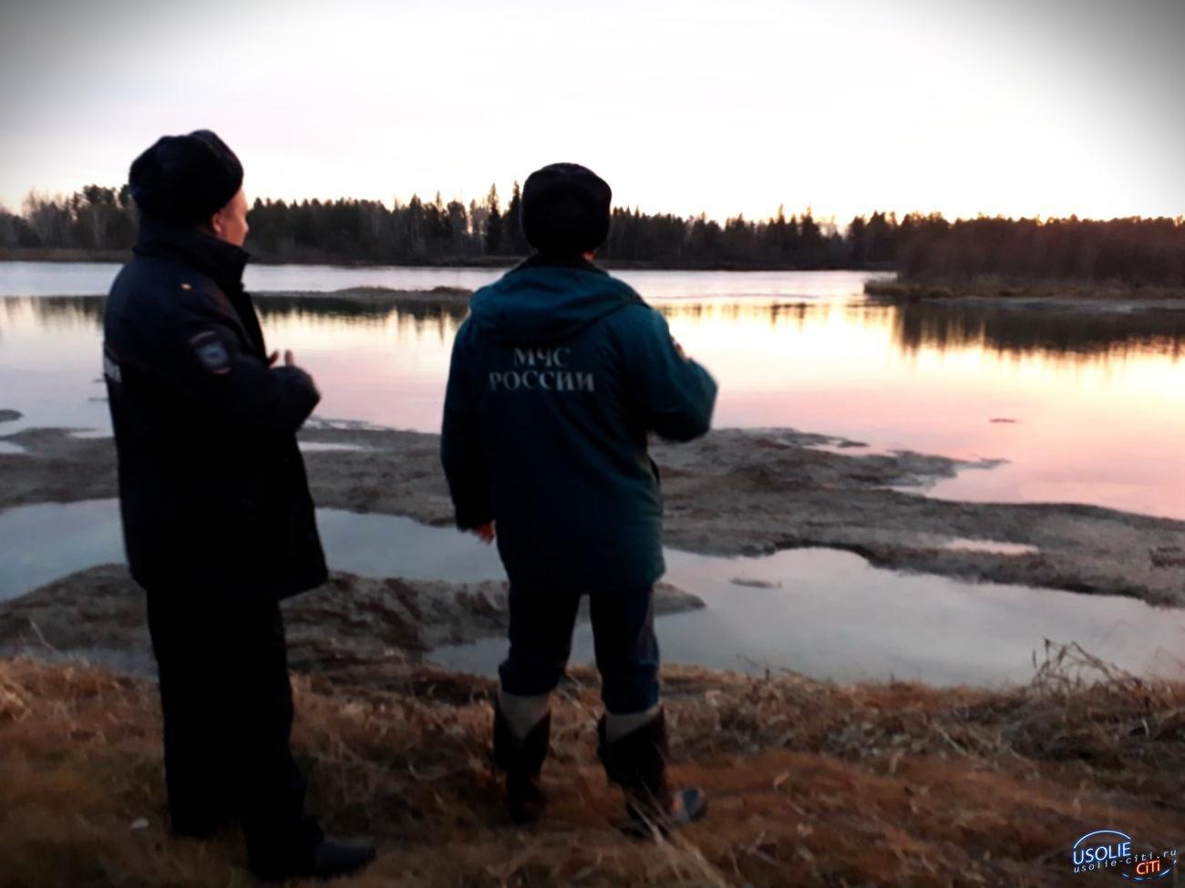 В Усольском районе из реки достали мёртвого рыбака с удочкой в руках