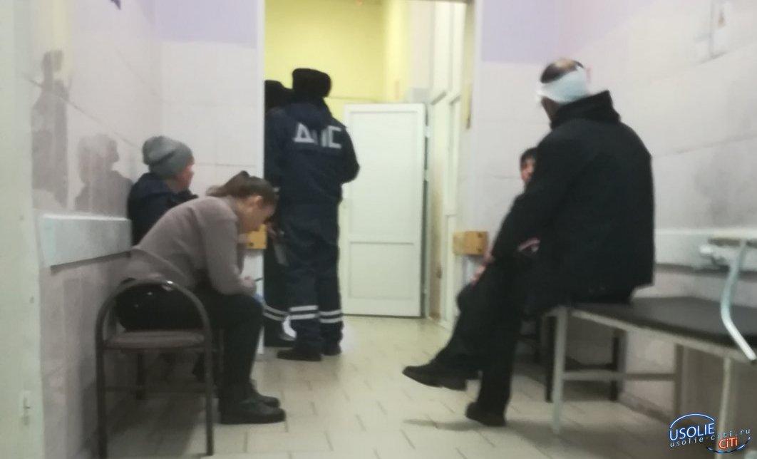 В Усольском районе маршрутка улетела в кювет. Пострадавшие поступают в больницы