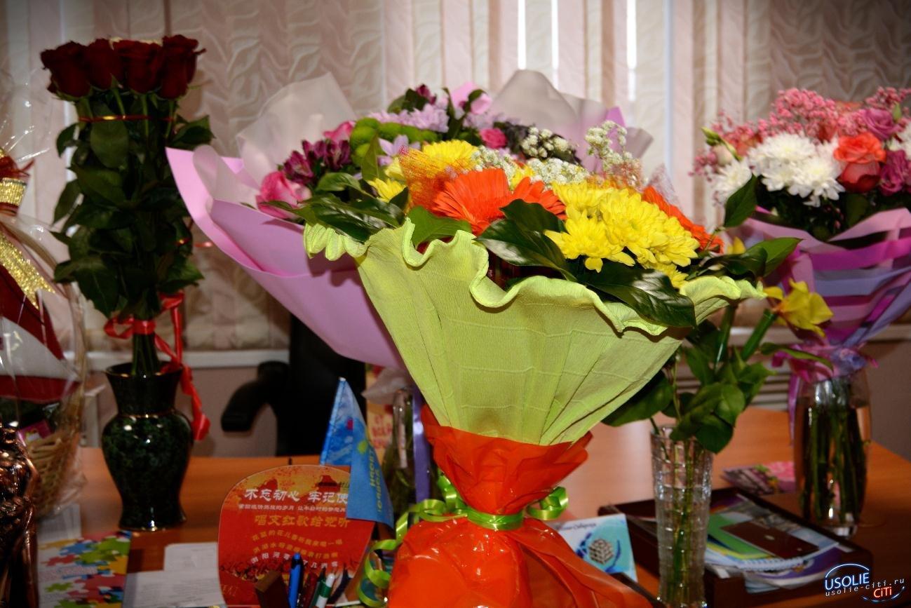 Правая рука мэра Усолья - Людмила Панькова отмечает день рождения