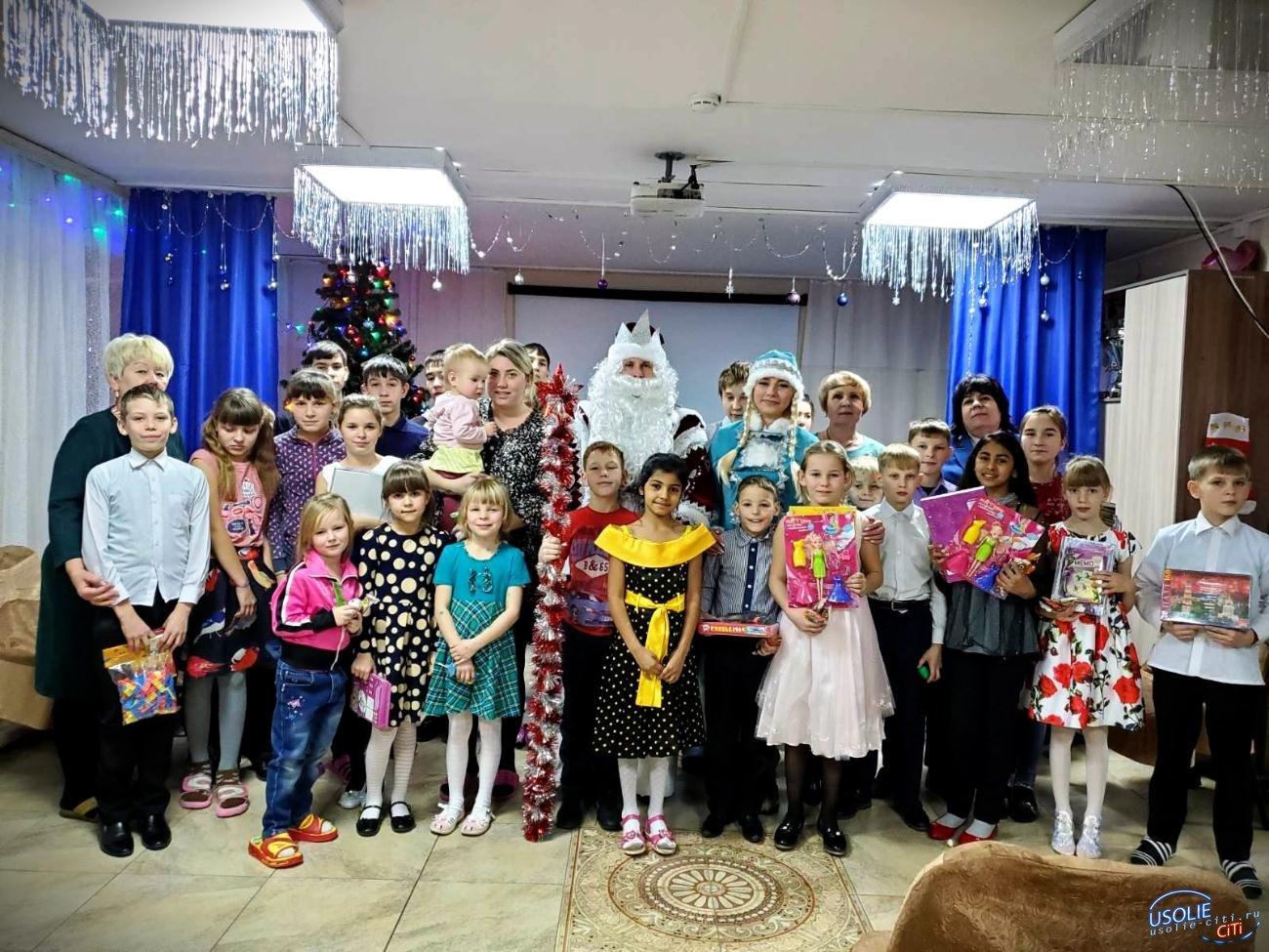 Дед мороз Троянов подарил новогодний праздник в Усольском районе
