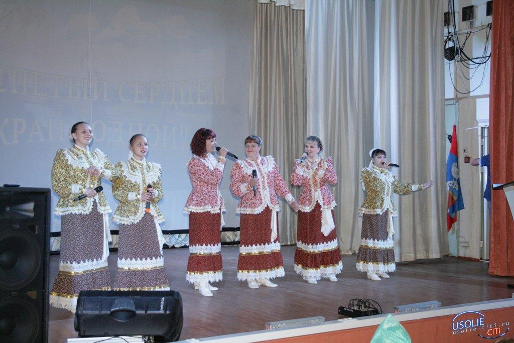 Сосновка - Усольский район: плясали даже те, кому за 80