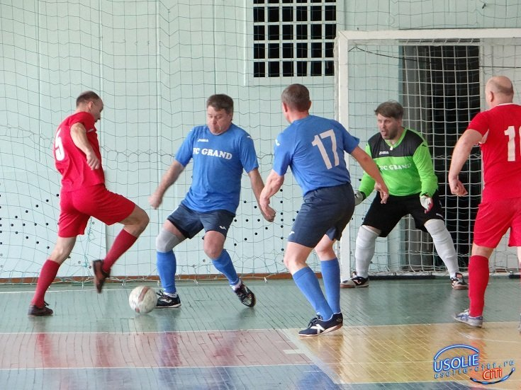 Усольские ветераны футбола стали вторыми