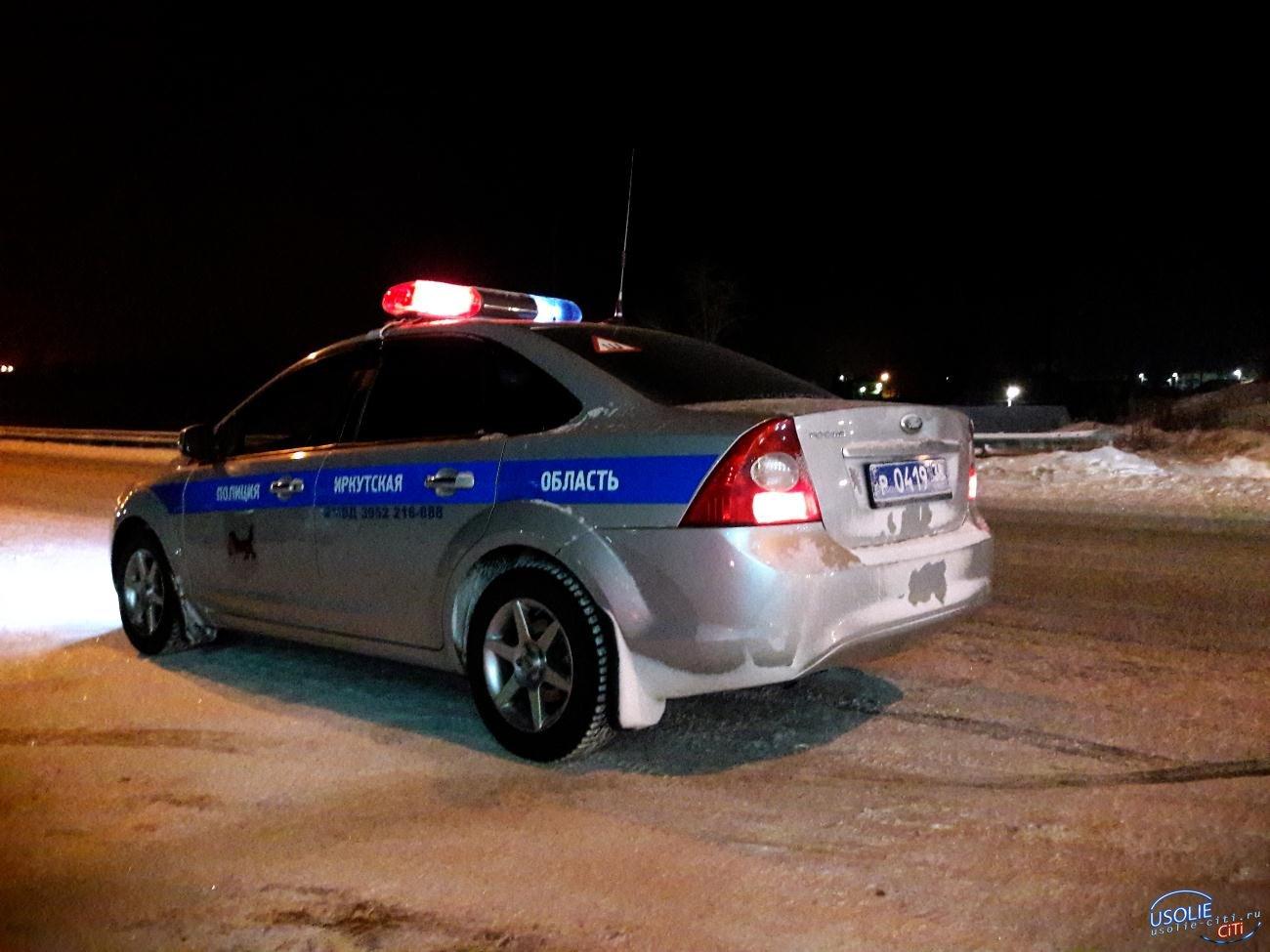 Под Усольем грузовик столкнулся с иномаркой и ударил снегоуборочную машину