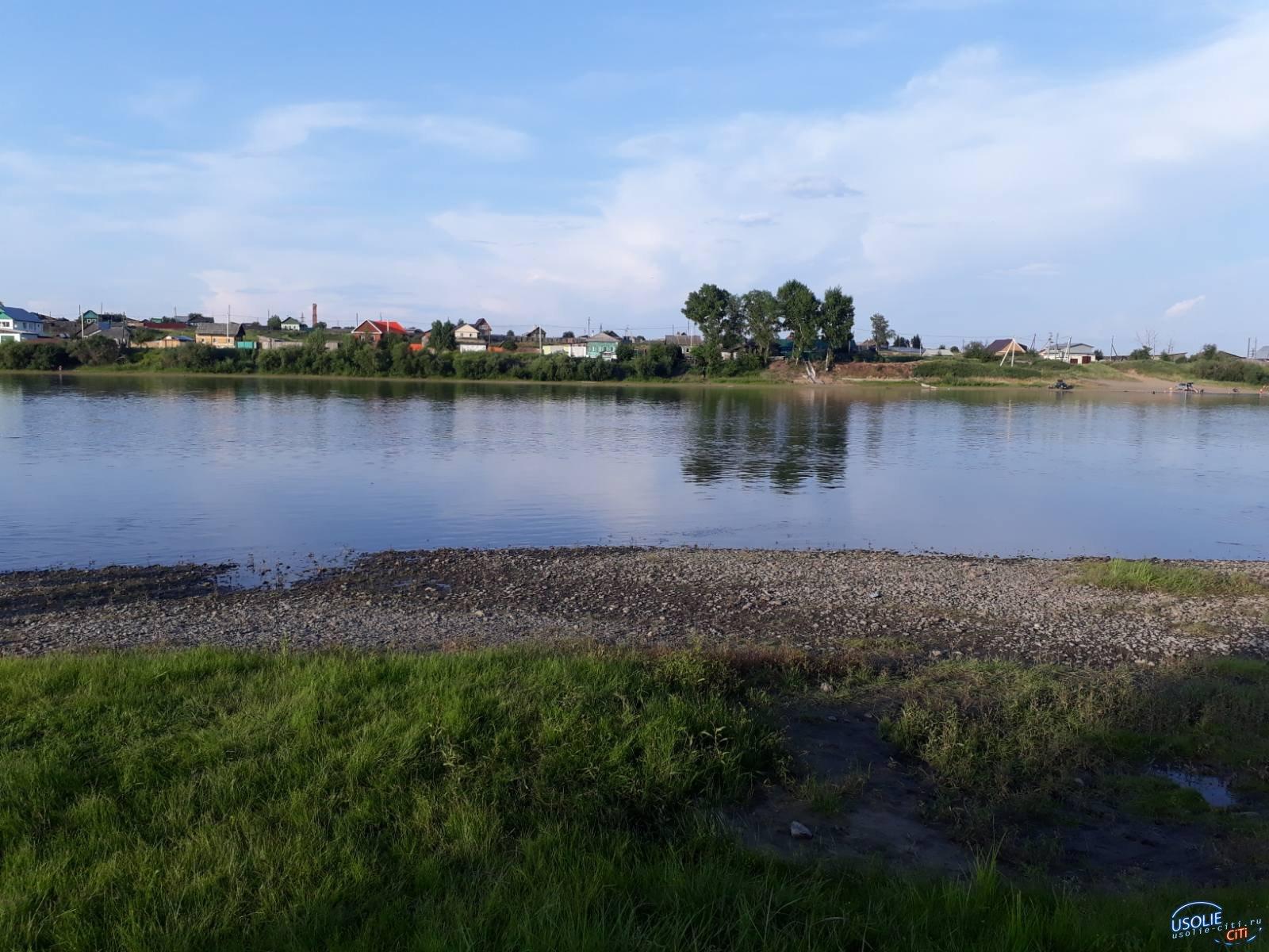 Мужчина не смог на спор переплыть реку в Усольском районе и утонул
