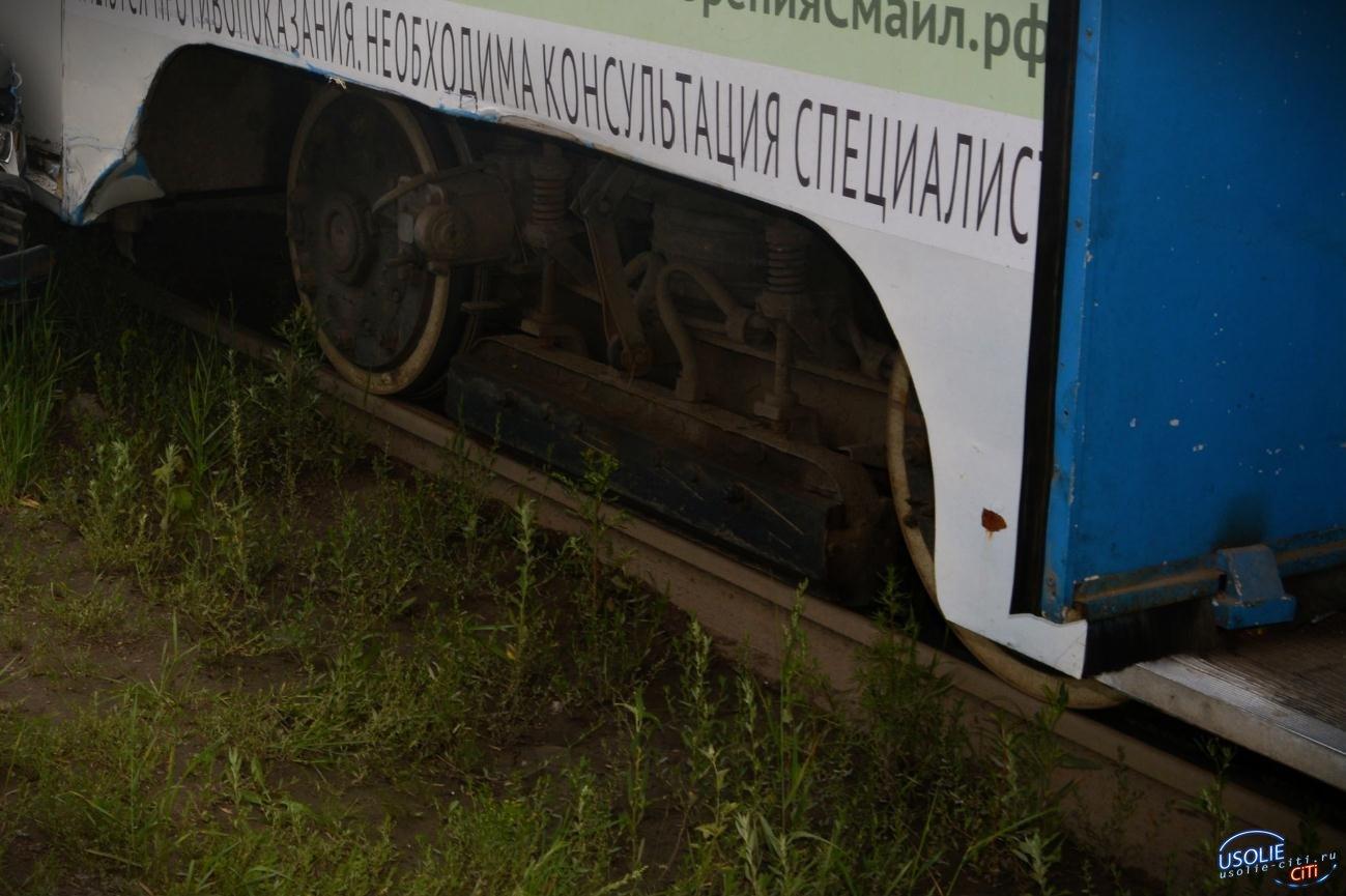 В Усолье из-за жары с рельсов сошел трамвай