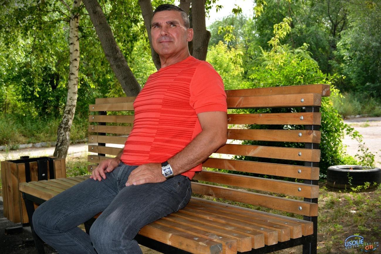 Сергей Мельников помог благоустроить новый сквер в Усолье