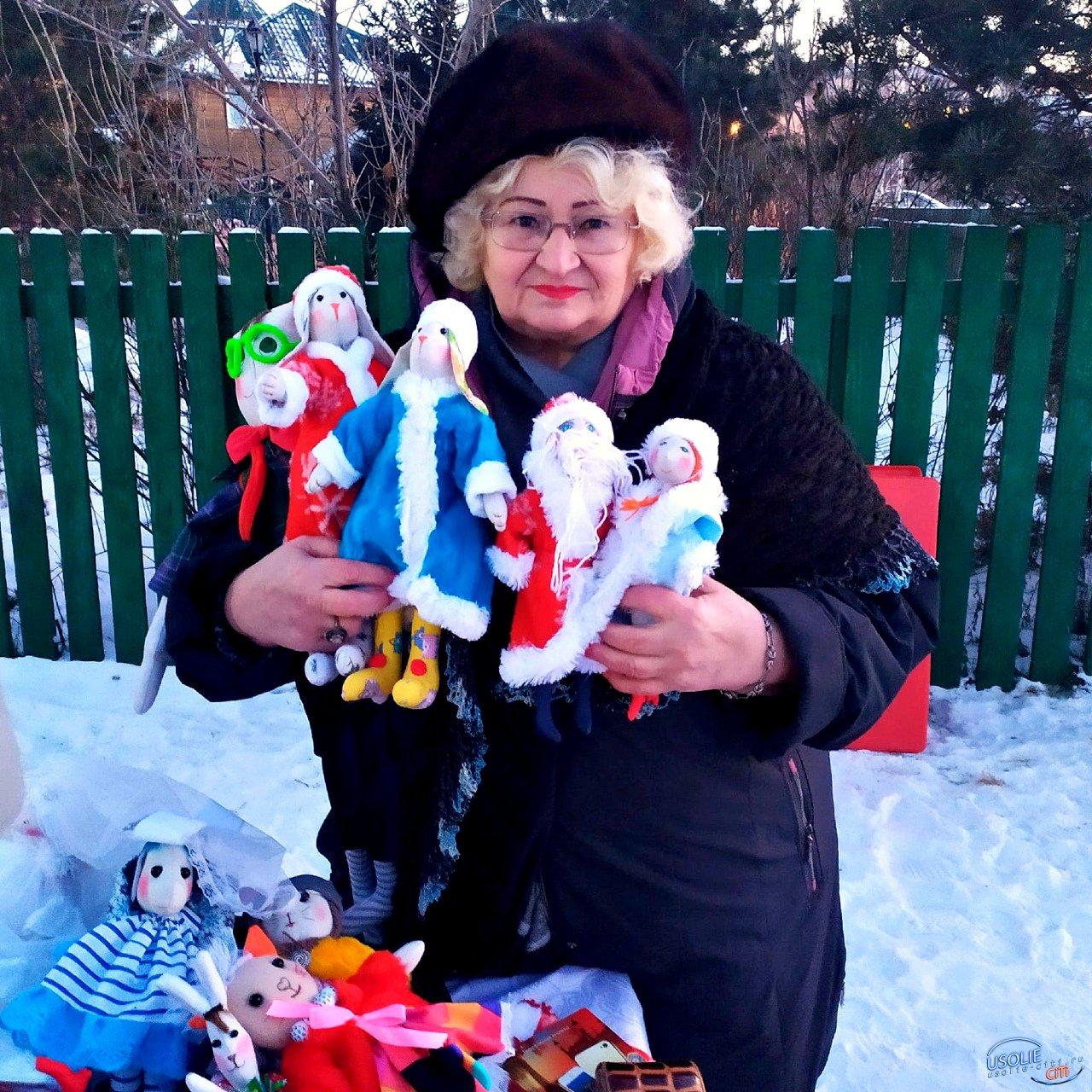 Помощницы Деда Мороза в Усолье