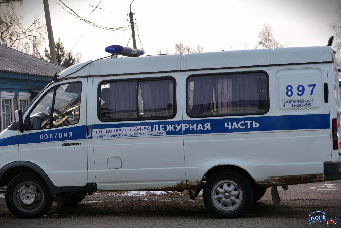 В Усольском районе полицейские разыскивают мошенника, обманувшего пенсионерку