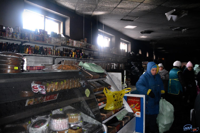 В Усолье утром горел трехэтажный магазин
