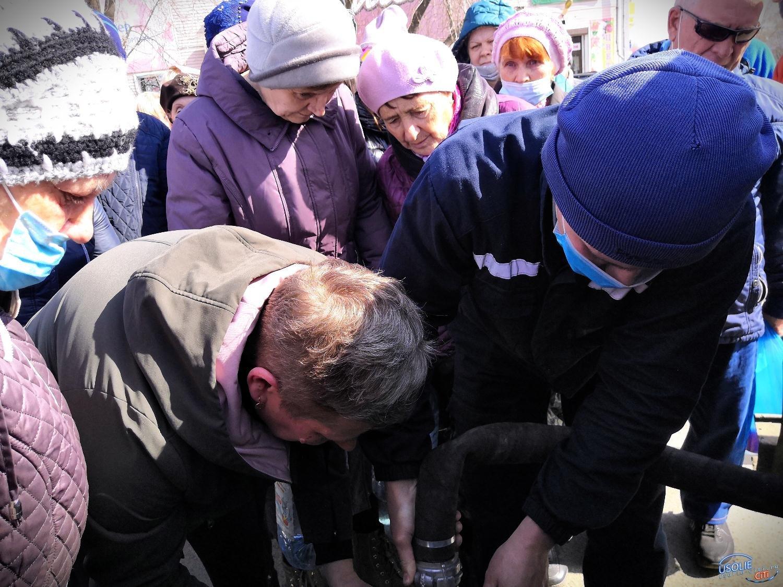 Из Иркутска в Усолье завезли питьевую воду